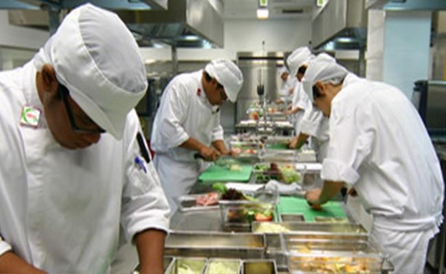Đội ngũ đầu bếp chuyên nghiệp, Re Vup mang đến chất lượng phục vụ tốt nhất